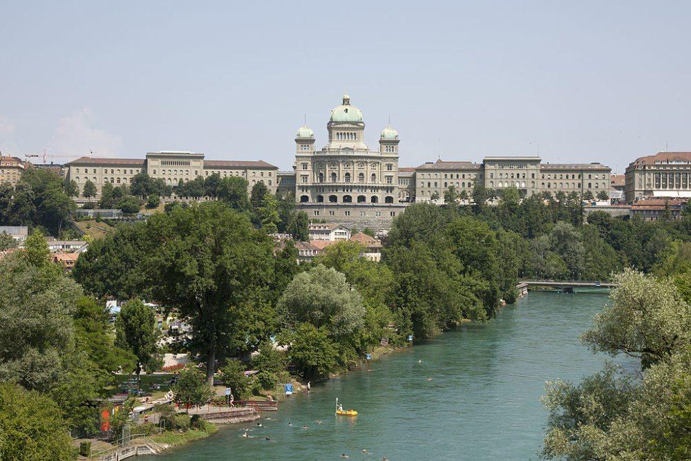 Südfassade des Bundeshauses in Bern (Bild: Mike Lehmann, Wikimedia, CC)