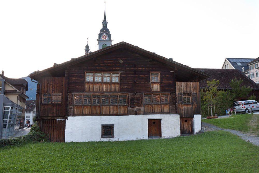 Holzhaus Bethlehem in Schwyz (Bild: F64.ch, Wikimedia, CC)