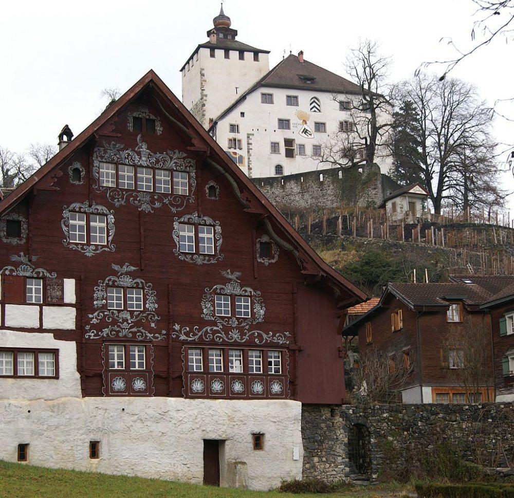 """Das """"Rote Haus"""" in Werdenberg (Bild: böhringer_friedrich, Wikimedia, CC)"""