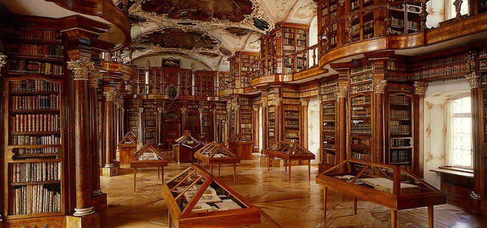 Barocksaal der Stiftsbibliothek St. Gallen (Bild: Stiftsbibliothek St. Gallen, Wikimedia, CC)