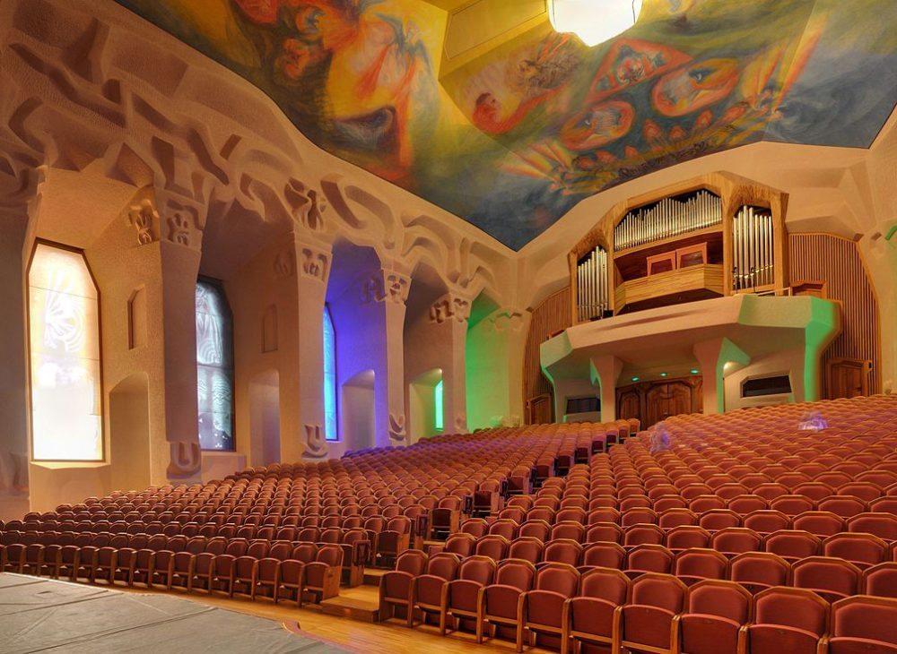 Großer Saal von Goetheanum (Bild: Taxiarchos228, Wikimedia, Lizenz Freie Kunst)