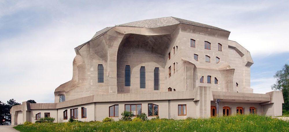 Goetheanum vom Süden gesehen (Bild: Wladyslaw, Wikimedia, Lizenz Freie Kunst)