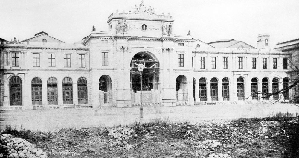 Frühestes Bild des Zürcher Hauptbahnhofs, September 1871 (Quelle: Fred Rihner: lllustrierte Geschichte der Zürcher Altstadt; Aarau 1975, Wikimedia)