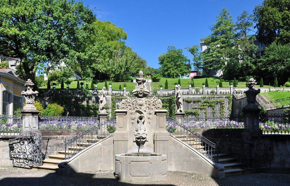 Gartenanlage am am Rechberghaus in Zürich (Bild: Roland zh, WIkimedia, CC)
