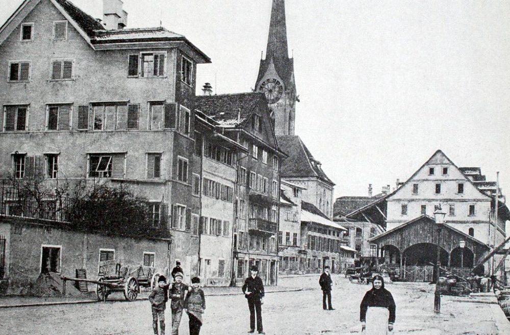 Kratzquartier in Zürich um 1880, rechts das Kaufhaus (Bild: Wikimedia)