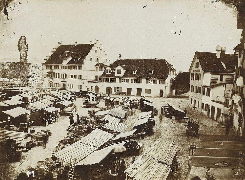 Marktplatz im Kratzquartier in Zürich (Bild: Zentralbibliothek Zürich, Wikimedia)