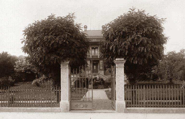 Eingang zur Villa Zinggeler 1890 bis 1936 (Bild: Zinggeler, Rudolf, www.helveticarchives.ch)