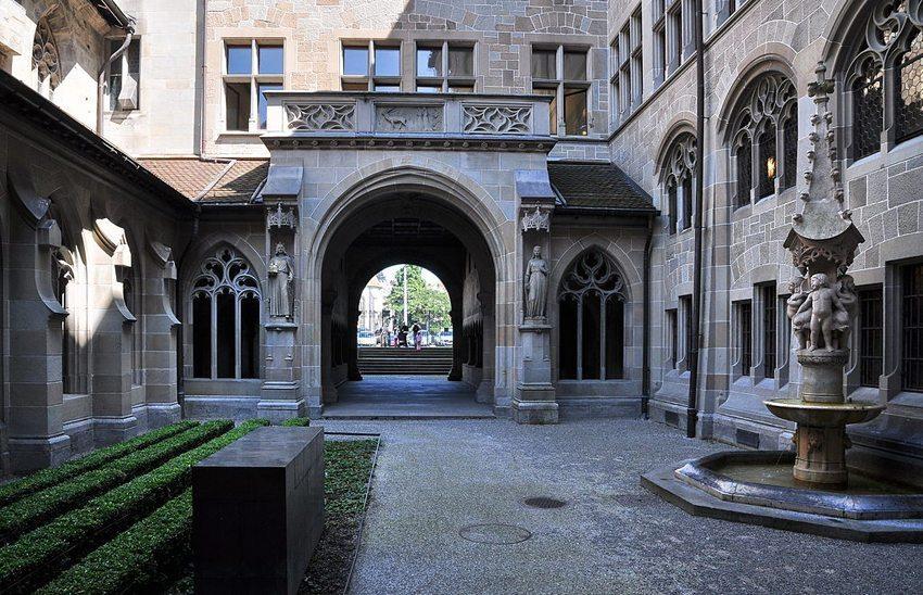 Kreuzgang des Fraumünsters in Zürich (Bild: Roland zh, Wikimedia, CC)