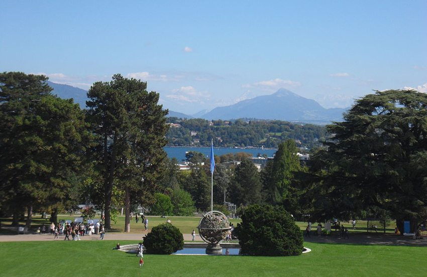 Ariana-Park an der Avenue de la Paix (Bild: Moumou82, Wikimedia, CC)