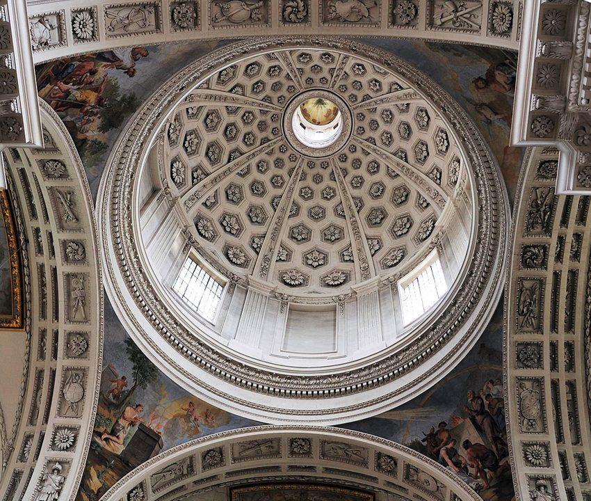 Kuppel der St. Ursenkathedrale von unten (Bild: Wladyslaw, Wikimedia, CC)