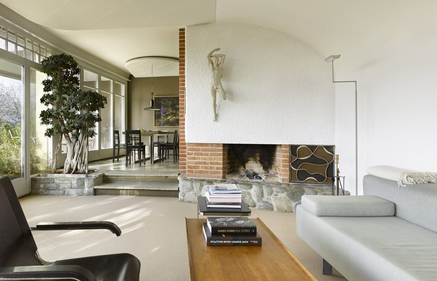 Wohnzimmer des Hauses in Muri im neuen Glanz (Bild: Alexander Gempeler)