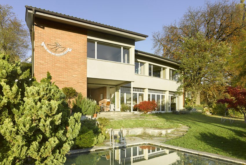 Wohnhaus in Muri – zu Recht von der Denkmalpflege Bern ausgezeichnet. (Bild: Alexander Gempeler)