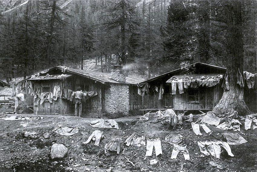 Arbeitersiedlung beim Bau des Albulatunnels (Bild: Wikimedia)