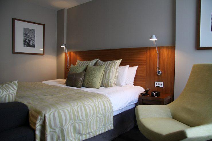 Ein gemütliches Bett sorgt für schöne Träume. (Bild: © novro - Fotolia.com)