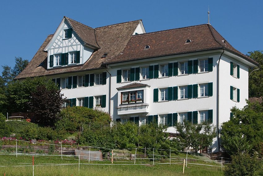Geburtshaus von Johanna Louise Spyri in Hirzel (Bild: Roland Zumbuehl, Wikimedia, GNU)