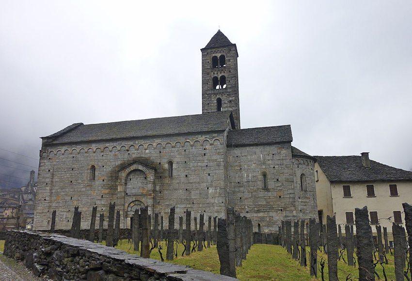 Die Kirche San Nicolao in Giornico wurde im frühen 12. Jahrhundert erbaut. (Bild: Adrian Michael, Wikimedia, GNU)