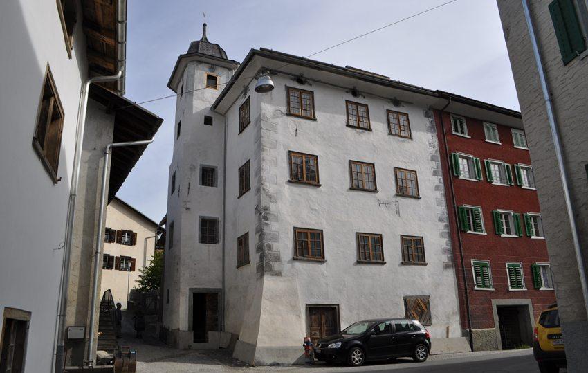 Das Türalihus in Valendas (Bild: Stiftung Ferien im Baudenkmal)