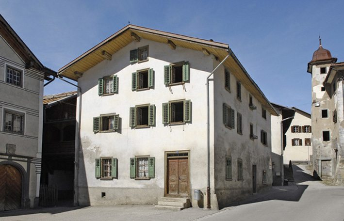Das Engihuus in Valendas (Bild: Stiftung Ferien im Baudenkmal)