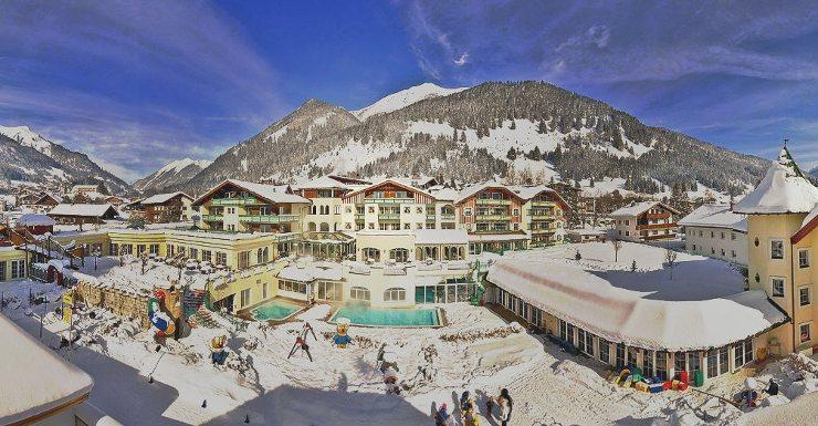 Erleben Sie schöne Winterferien im Kinderhotel Alpenrose! (Bild: © hotelalpenrose.at)