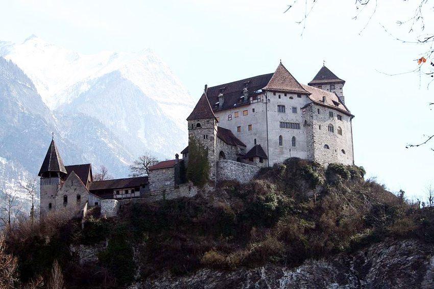Burg Gutenberg in Balzers (Bild: Adrian Michael, Wikimedia, CC)