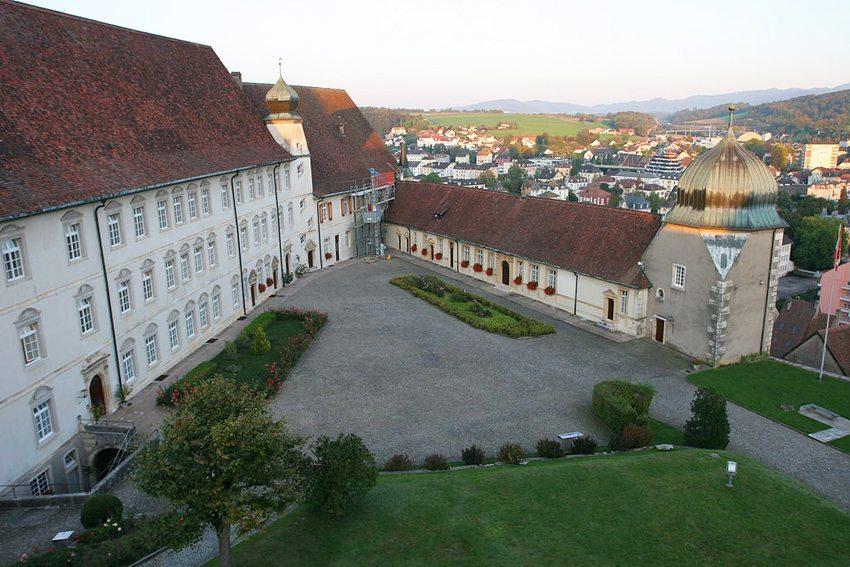 Schloss Pruntrut (Bild: Polo7, Wikimedia, CC)