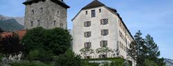 1024px-Schloss_Brandis