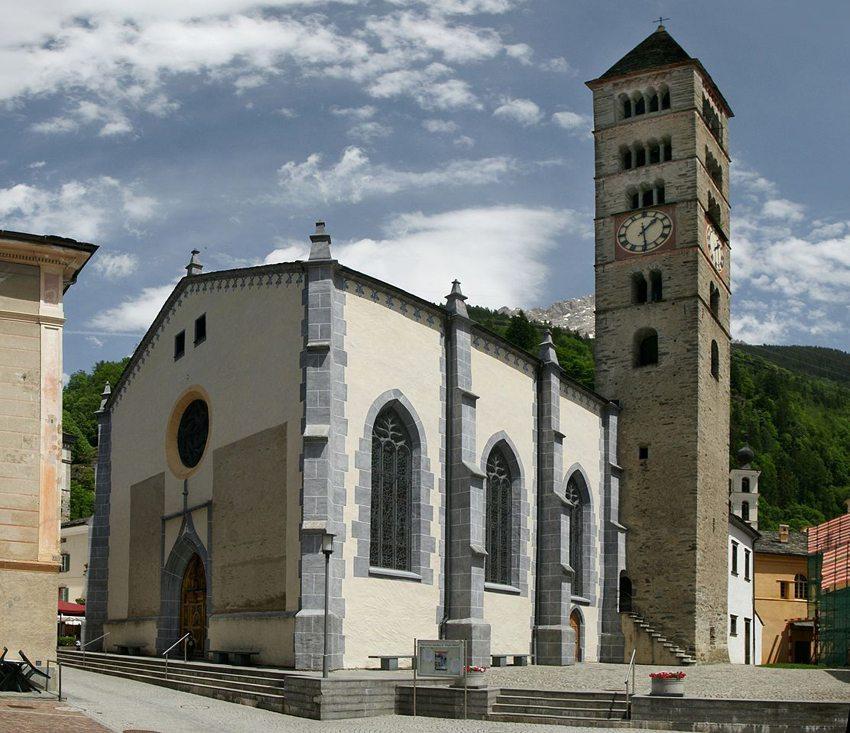 Die Kirche San Vittore Mauro in Poschiavo (Bild: böhringer friedrich, Wikimedia, CC)