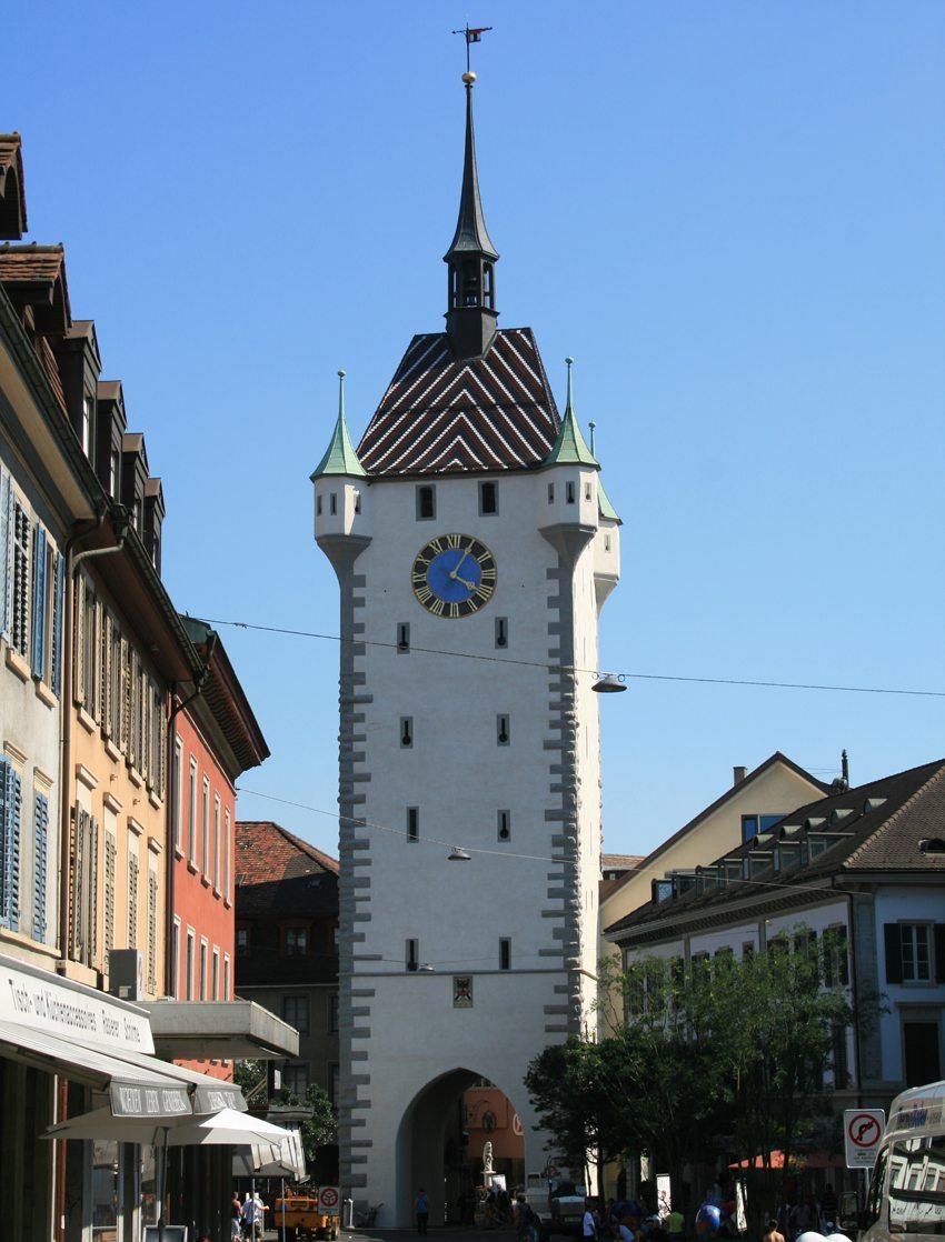 Der neu renovierte Stadtturm in Baden (Bild: Badener, Wikimedia, GNU)