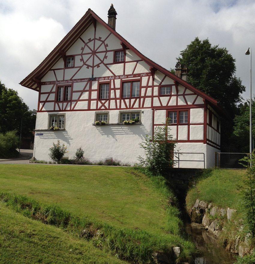 Neeracher Geigenmühle wurde um 1570 von Felix Albrecht erbaut. (© Geigenmühle Neerach)