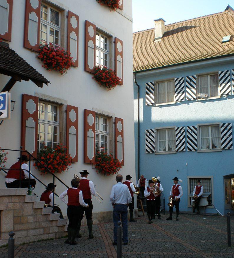 Musikanten in Laufen (Bild: Katrin Morenz, Wikimedia, CC)
