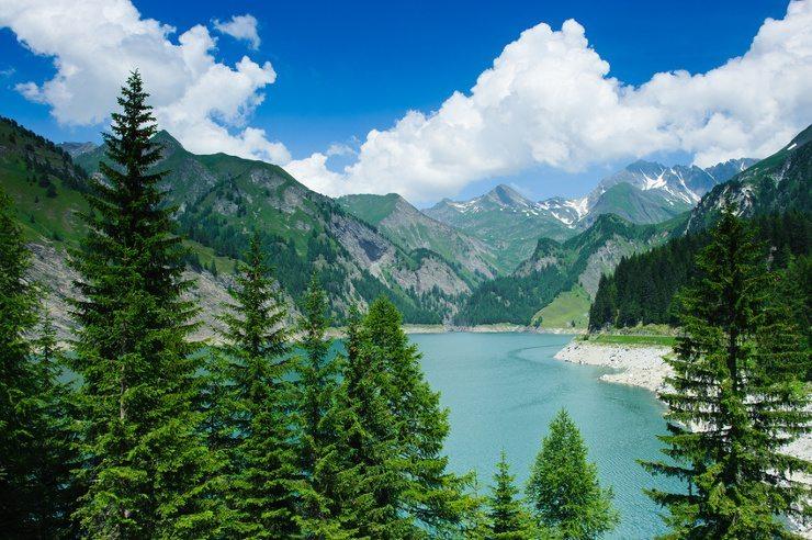 Eine Ferienwohnung Tessin ist ein idealer Ausgangspunkt (Bild: © Peter Wey - fotolia.com)