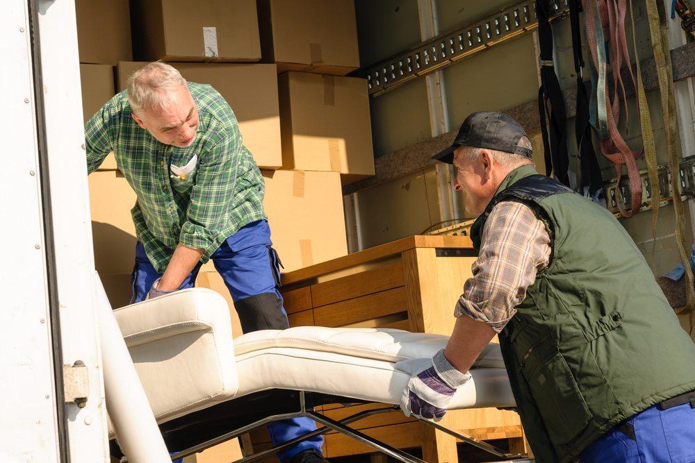 Achten sie bei der Umzugsfirma auf die Eintragung derselben ins Handelsregister. (Bild: © CandyBox Images - shutterstock.com)