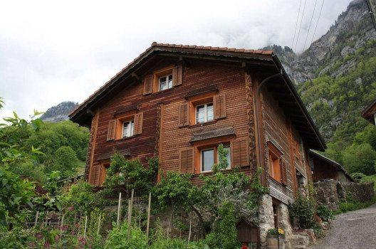 Haus in Quinten (Bild: Badener, Wikimedia, CC)