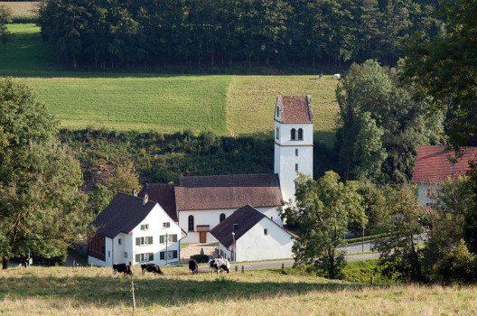 Die Kirche Bözberg (Bild: Bobo11, Wikimedia, CC)