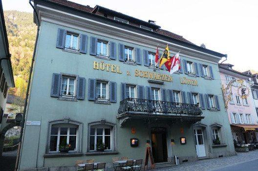 Hotel zum Schwarzen Löwen, Altdorf (Bild: Paebi, Wikimedia, CC)