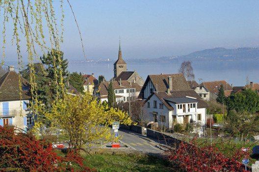 Concise – typisches Waadtländer Wein- und Bauerndorf (Bild: Yesuitus2001, Wikimedia, CC)