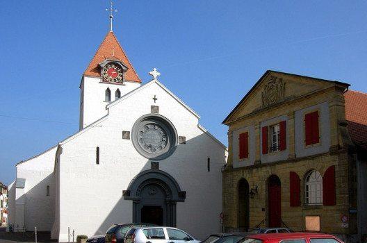 Die Pfarrkirche St-Jean-Baptiste in Grandson (Bild: Archipat, Wikimedia, CC)
