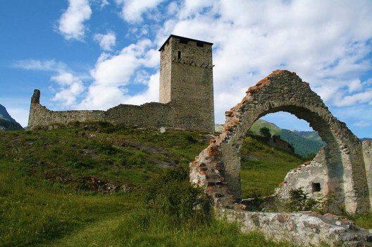 Burgruine Steinsberg (Bild: Adrian Michael, Wikimedia, CC)