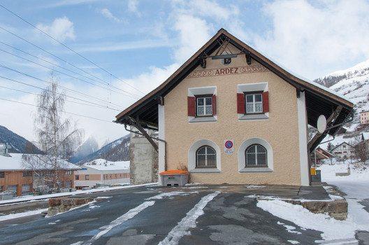 Bahnhof in Ardez (Bild: Hansueli Krapf, Wikimedia, CC)