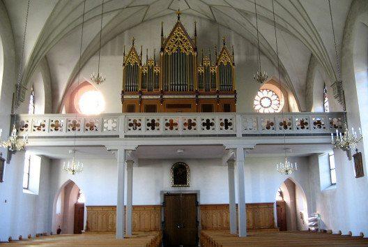 Orgel der Pfarrkirche St. Georg in Bünzen (Bild: Voyager, Wikimedia, GNU)