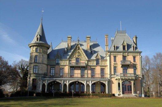 Schloss im Schadau Park. (Bild: © city100 - shutterstock.com)