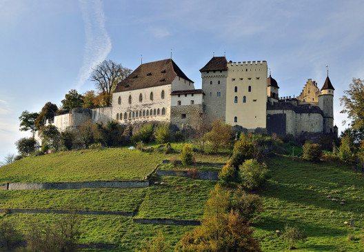 Schloss Lenzburg, Sicht von Südosten (Bild: © Wladyslaw Sojka / www.sojka.photo, Wikimedia - Free Art License)