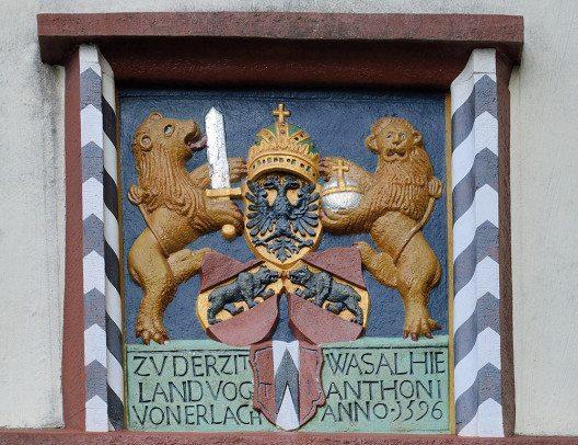 Schloss Lenzburg, Wappenschild am Oberen Torhaus (Bild: © Wladyslaw Sojka / www.sojka.photo, Wikimedia - Free Art License)