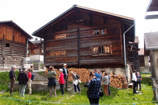 mira!cultura Ortführung Lumbrein (Bild: Surselva Tourismus AG)
