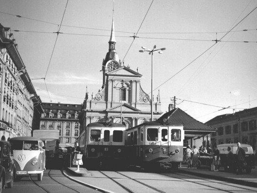 Bahnhofplatz Bern mit SZB-Zügen 1964 (Bild: © Regionalverkehr Bern-Solothurn RBS)