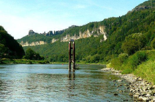 Der Taleinschnitt der Elbe (Bild: Jacquesverlaeken, Wikimedia, CC)