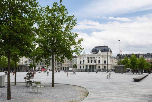 Sechseläutenplatz, Parkhaus Opéra (Bild: Georg Aerni)