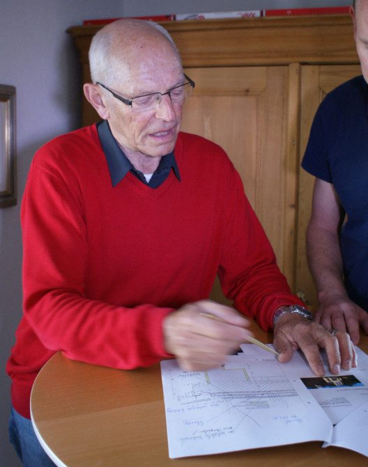 TI Lugano-Barbengo, Casa Sciaredo: Der Bauphysiker Ernst Baumann identifizierte die Ursache für den Schaden am Putz des 1932 von Georgette Klein-Tentori erbauten Atelierhauses. (Bild: zvg)