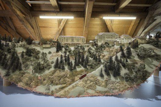 Wie Hotelier Fritz Frey den Bürgenstock in den 1960-er Jahren erweitern wollte, zeigt dieses Modell in der Ausstellung des Nidwaldner Museums im Salzmagazin.