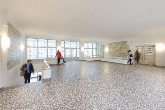 Rundgänge und Führungen informieren über Architektur und Badekultur und erlauben einen Blick hinter die Kulissen.
